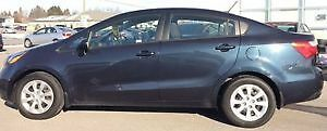 2013 Kia Rio LX+ dark blue *winter tires incl*