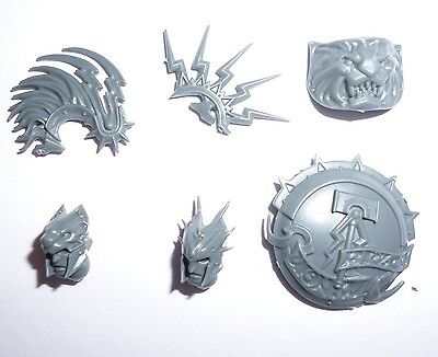 Stormcast Eternals Prosecutors Prime Heads, Shield & Shoulder Pad – G200