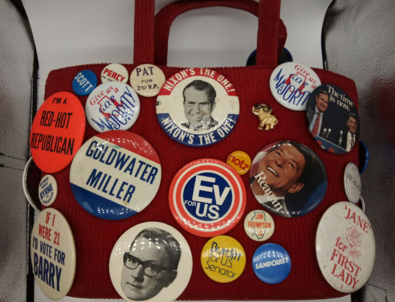 Lot of Political Buttons Pins Republican Presidential Badges Very GOOD vintage