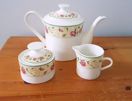 Tea pot sugar bowl & milk jug