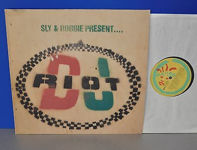 Sly & and Robbie present... DJ RIOT D '90 M- ! Vinyl LP cleaned gereinigt