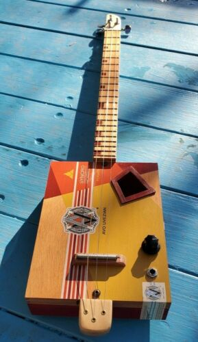 CIGAR BOX GUITAR 3 STRING ACOUSTIC / ELECTRIC