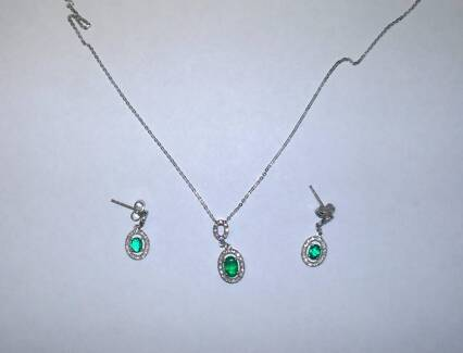 18ct White Gold, Diamond and Natural Emerald Earrings & Necklace Fletcher Newcastle Area Preview