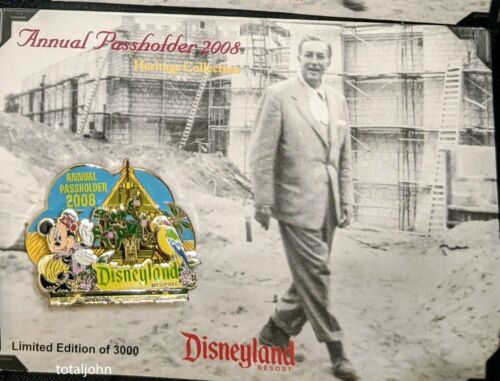 61225 DLR Passholder Enchanted Tiki Room 45th Anniversary - Minnie Diorama Pin