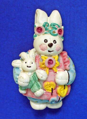 PIN Easter Vintage BUNNY RABBIT Baby BUTTONS Holiday Brooch