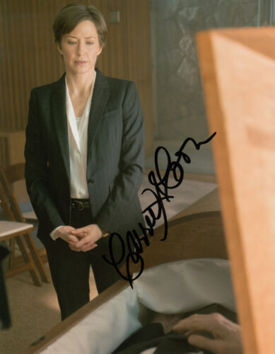 Carrie Coon Fargo signed 10x8 photo AFTAL & UACC [16768] Signing Details + COA