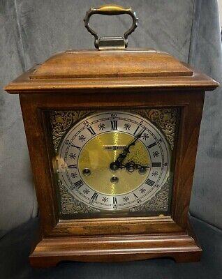 Vtg Howard Miller 612-437 Chimes Mantel Clock, w/ Key Runs great Triple Chime
