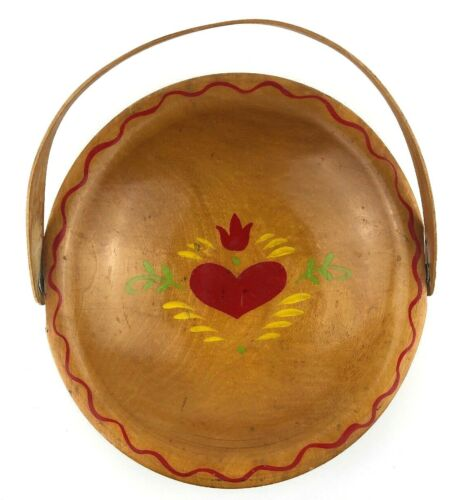 """VTG Munising Hand Painted 9"""" Wooden Bowl With Handle Fruit Gathering Heart"""