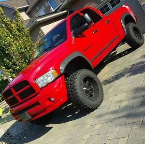LIFTED RAM 1500 2005 5.7 HEMI GREAT SHAPE