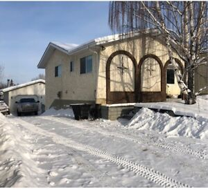 108 Maligne Dr, Open House this Sat 1:00-4:00PM!