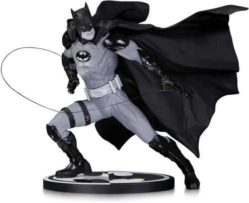Batman Black and White Statue Ivan Reis 261/5200 DC Collectibles NEW SEALED