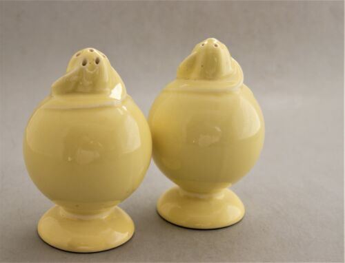 Vintage Taylor, Smith & Taylor Lu-Ray Pastels Yellow Salt and Pepper Shaker Set