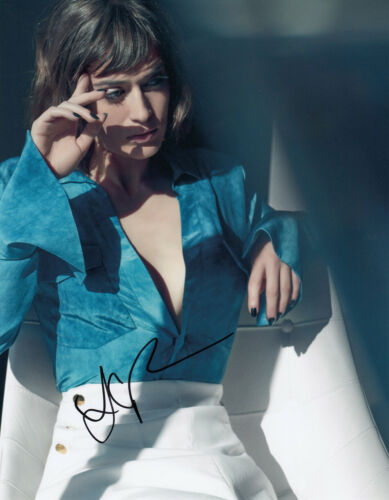 HOT Lizzy Caplan signed 10x8 photo AFTAL & UACC + Signing Details & COA [16370]
