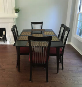 Mahogany Dining Table and Six Chairs