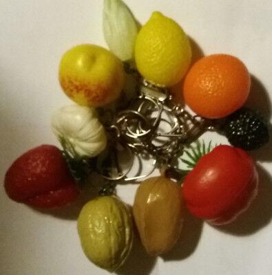 Lot de 10 porte-clés fruits / légumes divers Vintage