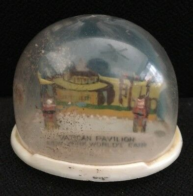 Vatican Pavilion Snow Globe - New York World's Fair Souvenir -VINTAGE 1960s