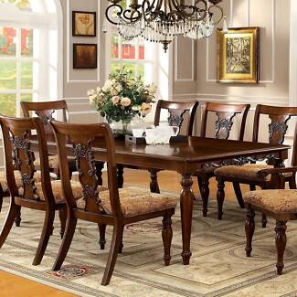 Dining Table w/ Removable Leaf