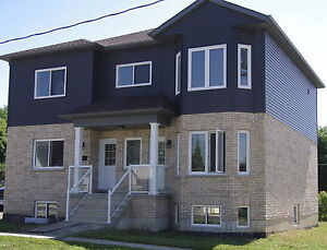 NEW Duplex for LEASE  Upper Level