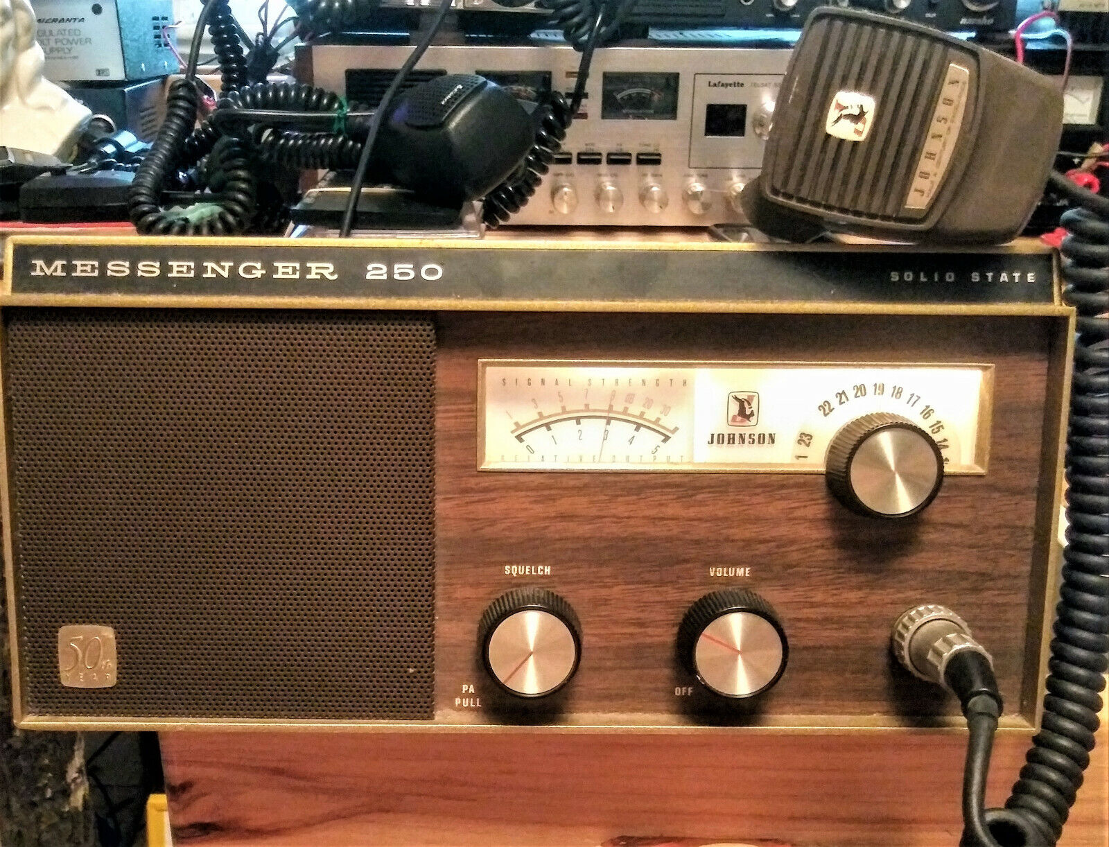 VINTAGE  JOHNSON MESSENGER 250  CB RADIO / BASE STATION   WORKING & TRANSMITTING. Buy it now for 349.99