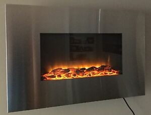 Master Flame Clarington Wallmount Fireplace   Reg 219.99+tax