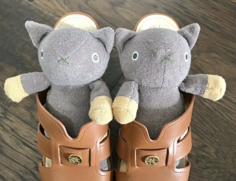 Cute! Pair of Plush Cats Sachets Shoe Fresheners by Mignon for Cat Lovers