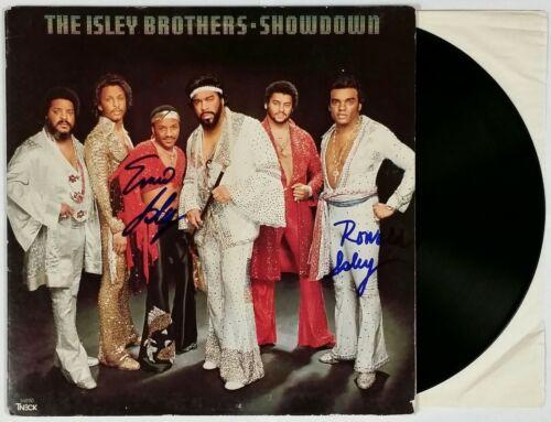 THE ISLEY BROTHERS SIGNED SHOWDOWN VINYL RECORD ALBUM W/ COA RON AND ERNIE