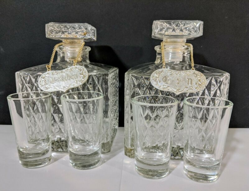 Vintage  clear Glass  Bourbon & Scotch- Gin - Rey.. Decanter Set of 6 pieces