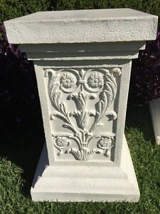 Pair of white pedestals North Richmond Hawkesbury Area Preview
