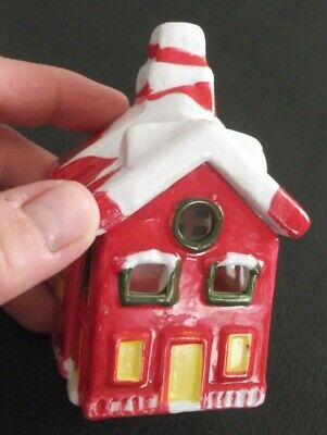VTG HAND PAINTED CERAMIC CHRISTMAS VILLAGE RED HOUSE CANDLE HOLDER WITH CANDLE !