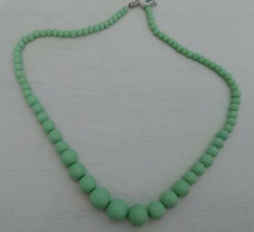 Vintage pale green Venetian glass necklace