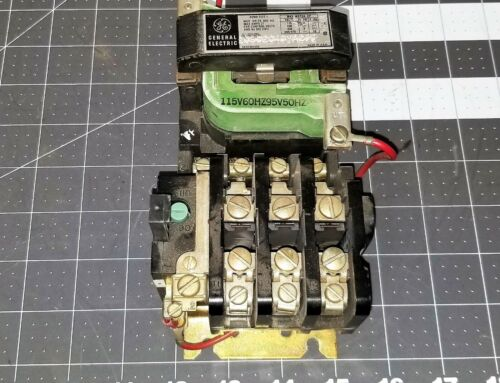 GE 15D21G2  Starter Contactor Size 1 10 HP 30 Amp Tested Working Pull [Z5S3]