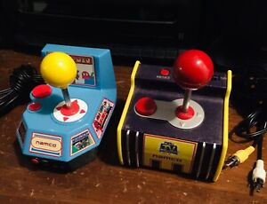 Namco Pac-Man and Ms. Pac-Man Plug & Play Jakks Pacific