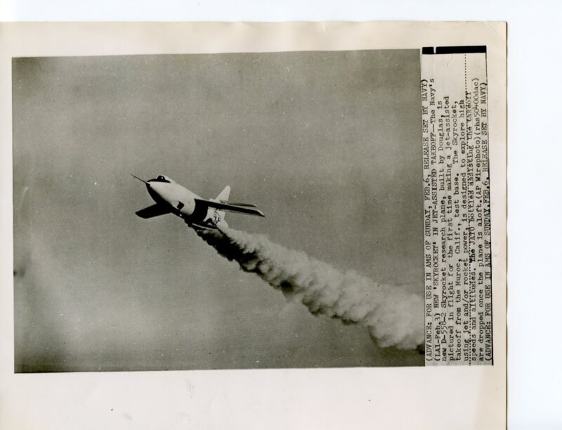 1948 First Flight D-558-2 Navy Skyrocket Twice the Speed of Sound B&W, 8x10
