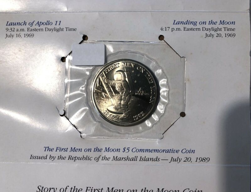 First Men On The Moon 1989 $5 Republic of The Marshall Islands 20 Year Commem