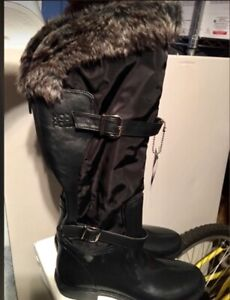 Brand New! Ladies Hot Paws Aquatech Boots