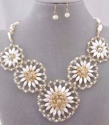 Gold With Chunky White Flower Necklace Earrings Set Fashion Jewelry NEW