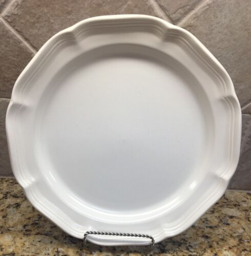 Mikasa French Countryside Dinner Plates Japan F9000  - $7.00