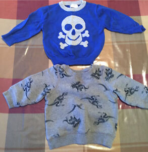 Two boys sweaters size 12 months