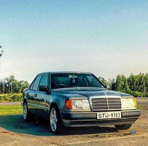 1991 Mercedes 300e - RHD  - $4500 this weekend only.