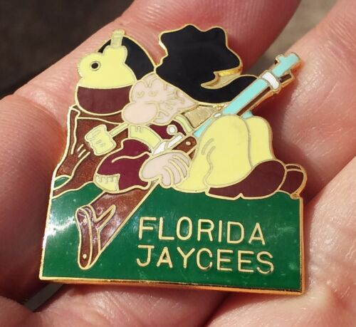 Florida Jaycees Snuffy Smith snoozing vintage pin badge