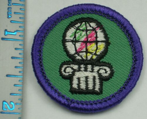 Vintage Girl Scout Badge - Dabbler, World of the Arts - 1980-2001 - retired