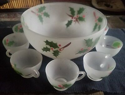 VINTAGE FEDERAL GLASS CHRISTMAS HOLLY FROSTED PUNCH OR EGG NOG BOWL 10 CUPS
