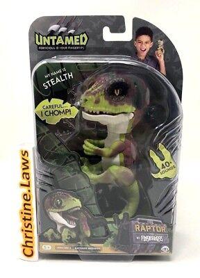 Fingerlings Raptor STEALTH Green Dinosaur Velociraptor WowWee Untamed Fingerling - Green Dinosaur