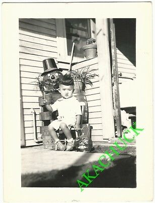 1930s Two Vintage Photos HALLOWEEN PUMPKINS & JAPANESE BOY TODDLER Front Porch G (Halloween Front Porch)