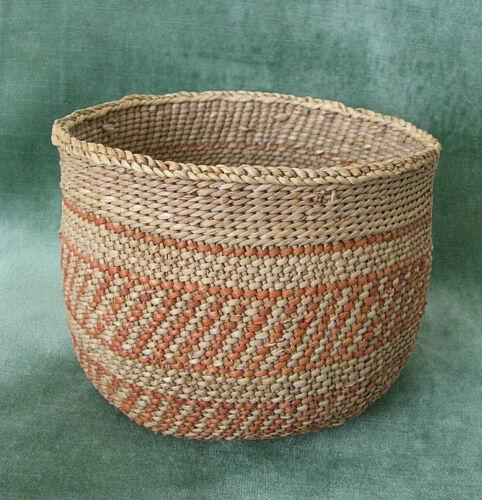 HAVASUPAI Indian Basket  /  c.1920  /  Arizona  /  Excellent condition
