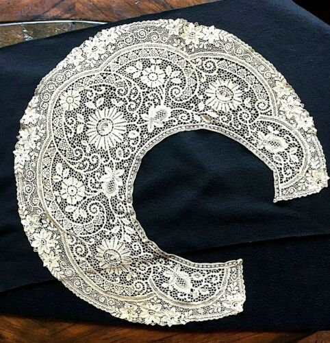 Antique LACE COLLAR, From the 1800