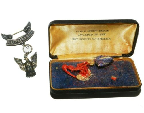 1930s Boy Scouts BSA Eagle Scout Medal Award Robbins Sterling with case