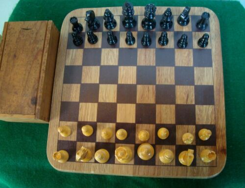 Vintage 1940's Sutton Style Wood Chess Set & Wood Box