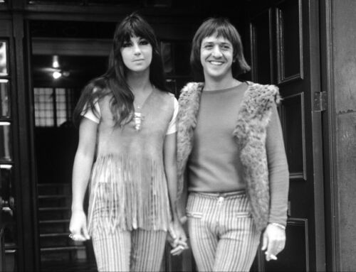 SONNY AND CHER - MUSIC PHOTO #E-33