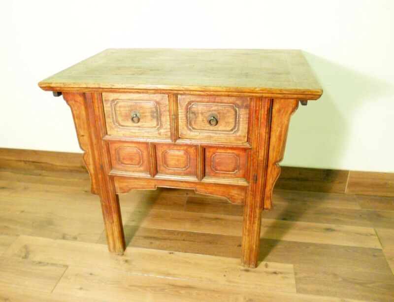 """Antique Chinese Ming """"Butterfly"""" Coffer (5711), Circa 1800-1849"""